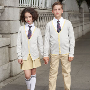 Custom Beautiful V-Neck School Caridgan Sweaters Uniform pictures & photos