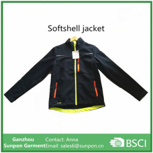 2017 Breathable Men′s Sport Softshell Jacket pictures & photos