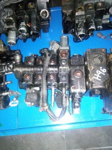 8fd40-50 Hydraulic Control Valve for Toyota Forklift pictures & photos