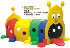 Plastic Playhouse and Play Drill Hole QQ12068-1 pictures & photos