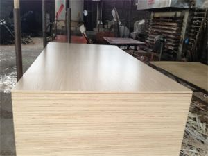 1220X2440mm WBP Glue Hardwood Melamine Laminited Plywood pictures & photos