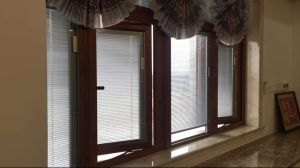 Classic PVC / Wooden Venetian Window Blind pictures & photos