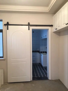 Barn Doors for Home with Black Classic Sliding Wall Mounted Hardwares pictures & photos