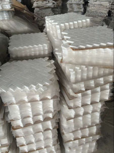 Italian Carrara White Herringbone Mosaic Tiles pictures & photos
