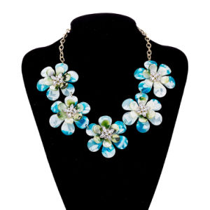 Wholesale Charm Flower Pendant Necklace for Girls pictures & photos