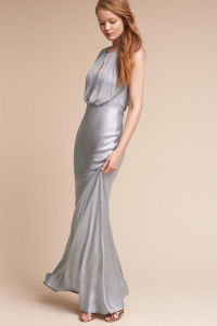 This Sleek Satin Evening Dress Creating a Dramatic Cowl Back pictures & photos