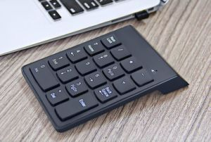18 Keys 2.4G Mini Digital USB Numeric Keypad Wireless Keyboard pictures & photos