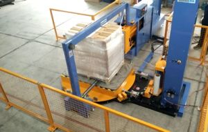 Rotary Arms Pre-Stretch Pallet Wrapper with Strapping Machine pictures & photos