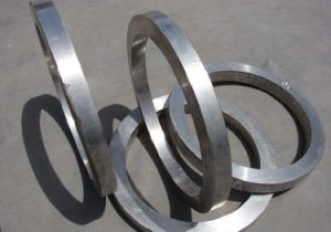 Forged 1045 Retaining Ring with Qt and Machining pictures & photos