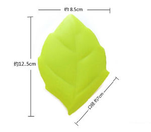 Convenient Leaf Shape Silicone Toothbrush Cover pictures & photos