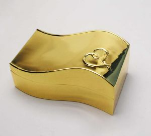 Lady Gift Gold Jewelry Box with Heart Design pictures & photos