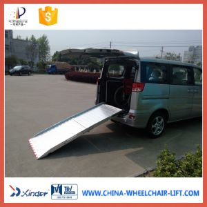 Esay Operated Manual Folding Wheelchair Ramp (BMWR) pictures & photos