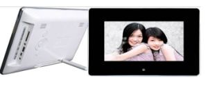 Chinese OEM Manufacturer 7 Inch Multi-Functional Digital Photo Frame pictures & photos