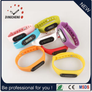 Digital Watches Customied Watch Pedometer Bracelet (DC-003) pictures & photos