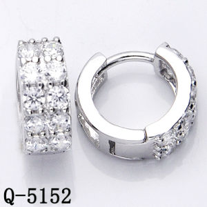 Factory Wholesale 925 Silver Earrings Huggies with CZ pictures & photos