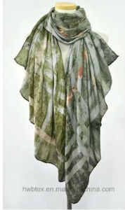 Soft 100% Twill Visocse Check Printed Scarf with Grading Effect (HWBS022) pictures & photos