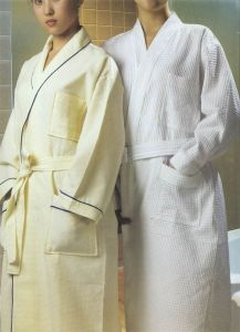 100% Cotton Waffle Bathrobes in Various Size (YT-151) pictures & photos
