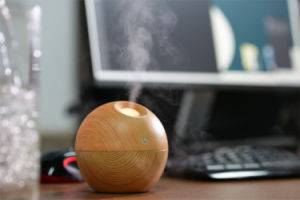 Mini Ultrasonic Portable Wooden USB Aroma Essential Oil Diffuser pictures & photos