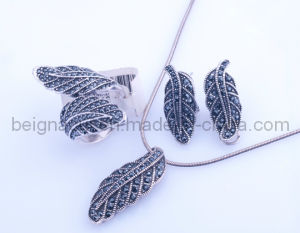 Fahion Leaf Jewelry Set pictures & photos