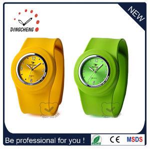 Fashion Promotion Cheap Sport Ladies Bracelet Slap Silicone Watch (DC-101) pictures & photos