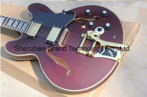 Custom Claret Red Body Electric Guitar with Golden Hardware (TJ-233) pictures & photos