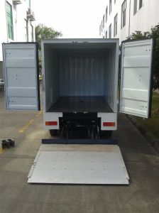 2 Seater Battery Power Drive Electric Cargo Truck pictures & photos