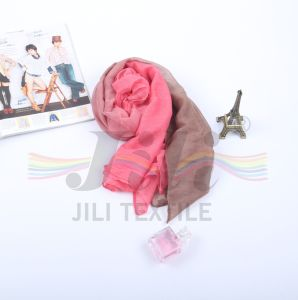 Newest Fashionable DIP Dye Gradient Color Hijab Scarf pictures & photos