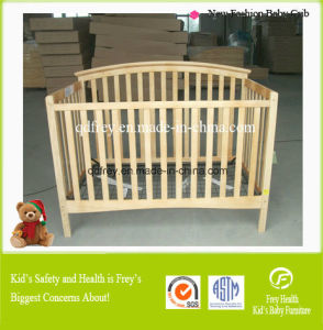 New Design Fashionable Pine Wood Baby Cot/Bed/Crib pictures & photos