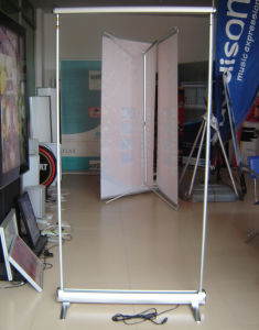 80*407 Cm Electronic Single Side Roll up Banner Stand Display (SR-08) pictures & photos