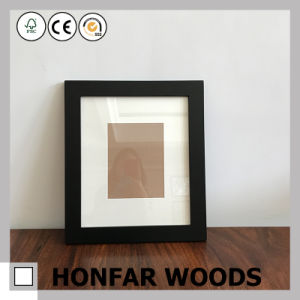 Classic Vintage Solid Wood Picture Frame pictures & photos
