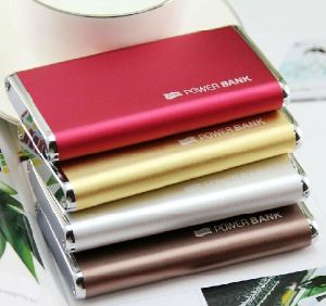 4000-6000mAh USB Portable External Backup Battery Charger Power Bank for Mobile Phone pictures & photos