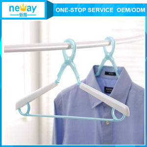 New Design Windbreak Flexible Plastic Hangers pictures & photos