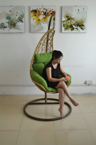 Contemporary Simple Design Rattan Hanging Lounge Chair pictures & photos