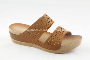 New Arrival Lady′s Flip Flop with Pinholes on Upper pictures & photos