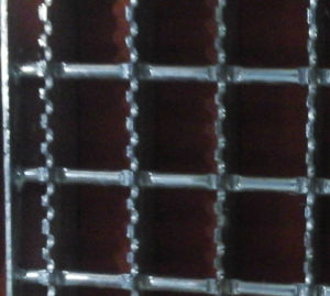 Serrated Galvanized Steel Bar Grating pictures & photos