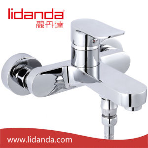 Contemporary Brass Bathtub Faucet with Chrome Finish pictures & photos