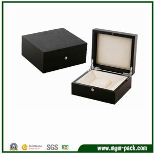 High Quality Customized Wooden Watch Box with Pillow pictures & photos