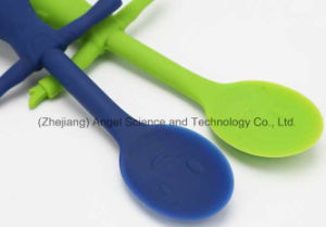 New Style Kids Silicone Scoop Silicone Spoon for Children Sk28 pictures & photos