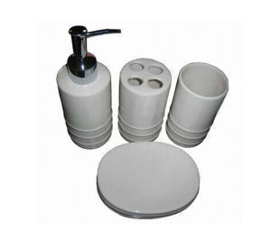 Various Colors and Sizes Ceramic Bath Set pictures & photos