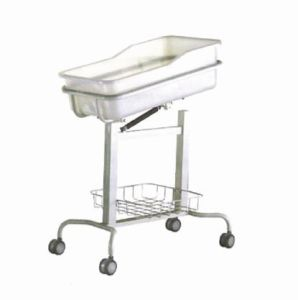 Moveable Hospital Baby Bassinet, Baby Crib (XH-F-3) pictures & photos