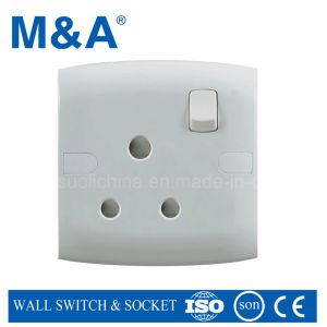 Me Series 1 Gang 15 a Switched Socket pictures & photos