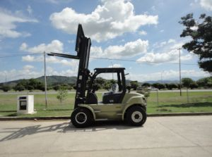 Un U Series Capacity 5000kg Heavy Duty 5.0t Diesel Forklift pictures & photos
