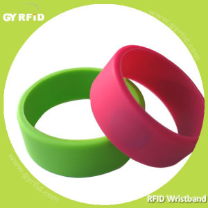 Wrs12 Ntag216 Nfc RFID Silicon Wristband for Gym Center pictures & photos