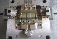 China Professional Precision Plastic Injection Mould for Electronic Parts pictures & photos