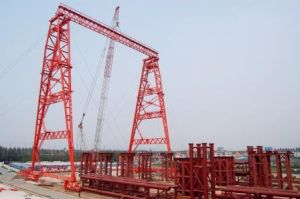 Truss Double Girder Gantry Crane With Trolley (QME120t-78m-65m) pictures & photos