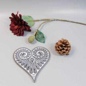 En71 ASTM Standard Polyresin Coaster in Heart Shape pictures & photos