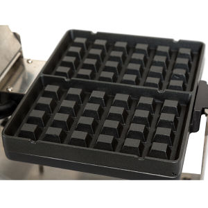 120VAC Appliance Baking Machine Square Plate Belgium Waffle Baker pictures & photos