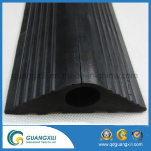 2-Channel Rubber Cable Protector Ramps Cord Cover with 20 Ton Weight Capacity pictures & photos