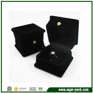 Custom Square Plastic Jewelry packaging Box pictures & photos