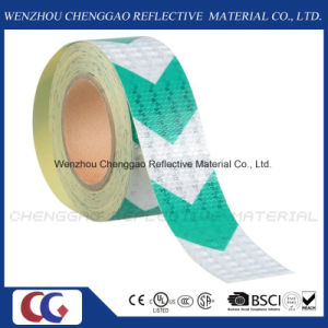 High Visibility Green Arrow Hazard Reflective Roll Tape (C3500-AW) pictures & photos